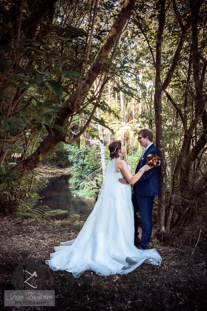romantic riverside setting for wedding photos kerikeri