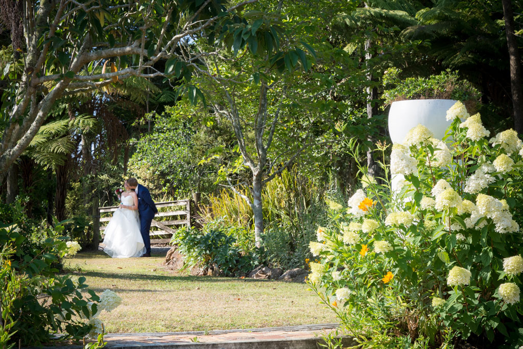 wedding day photos at wedding venue in kerikeri